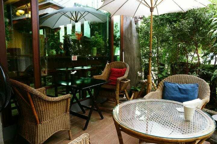 In this write-up, we take a look at the best furniture for enclosed porch