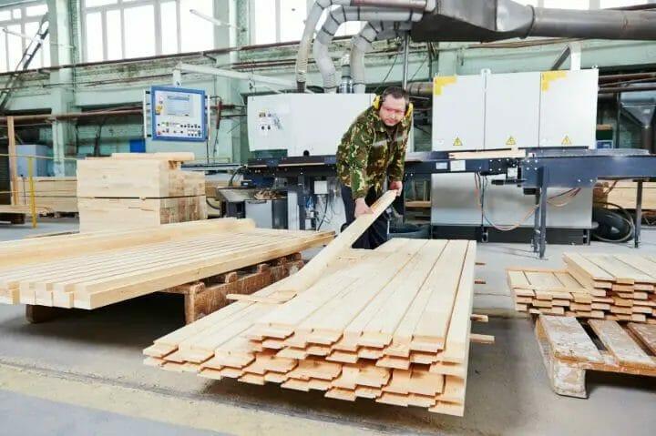 Kiln Dried Vs. Air-Dried Lumber For Furniture