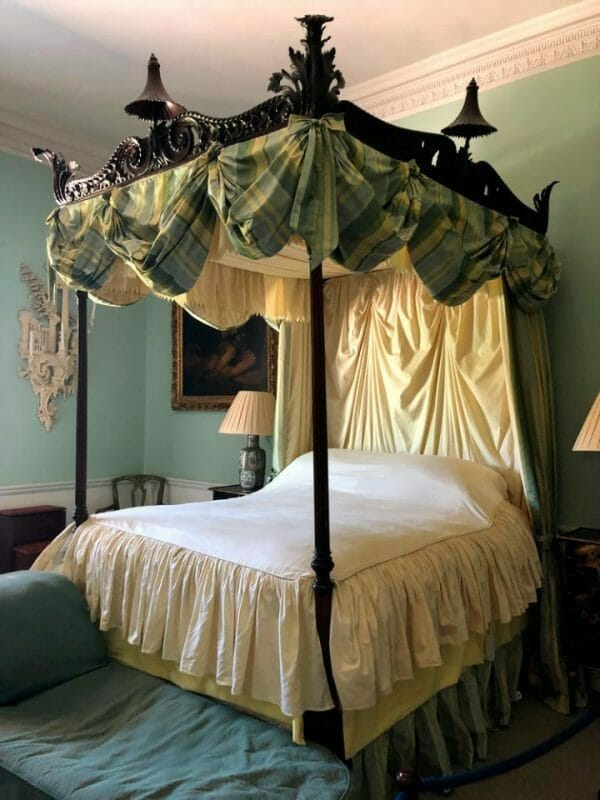 Bedspreads For Four Poster Beds