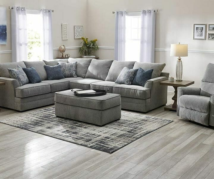 Broyhill Furniture Reviews - Naples